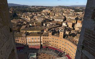Aerial view of the ancient town of Siena from the Torre del Mangia (Tower of Mangia). Toscana (Tuscany), Italy