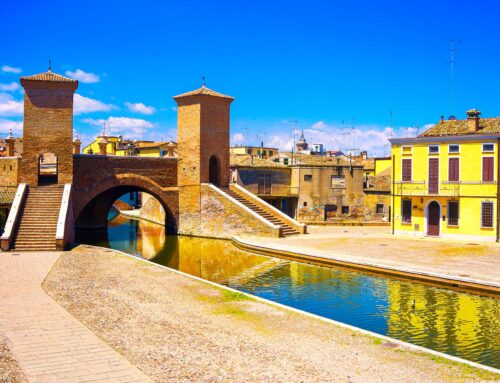 Comacchio tourist guide : discover another 'Italian Venice'